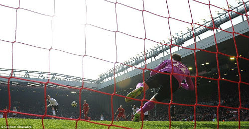 Rooney hối hận không nhường quả 11m cho Mata - 1