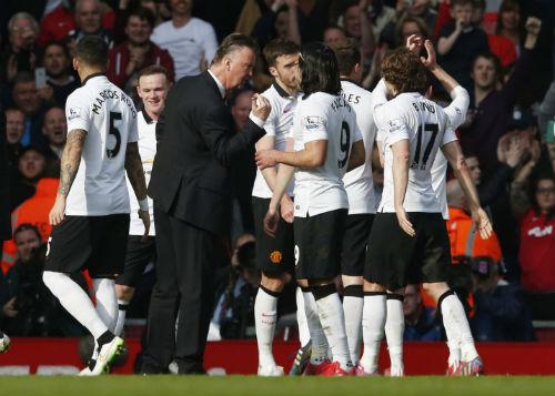 """Mata như """"trên mây"""", Gerrard cay đắng nhận lỗi - 2"""