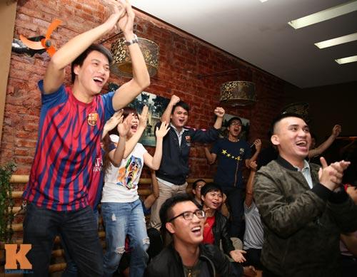 Fan Barca thức trắng đêm ăn mừng chiến thắng - 13