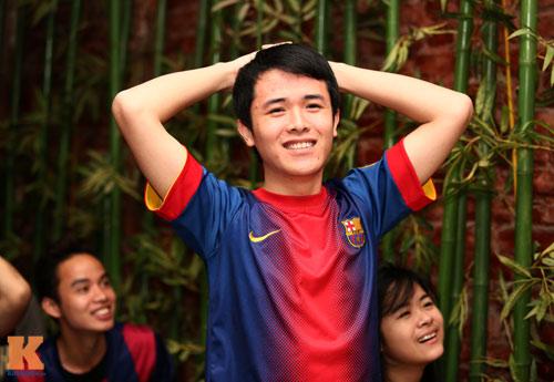 Fan Barca thức trắng đêm ăn mừng chiến thắng - 11