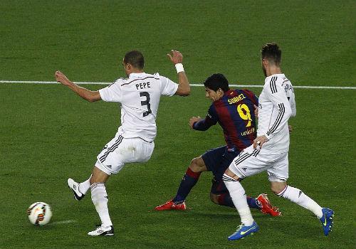 Enrique thận trọng, Ancelotti tin Real còn cơ hội vô địch - 2