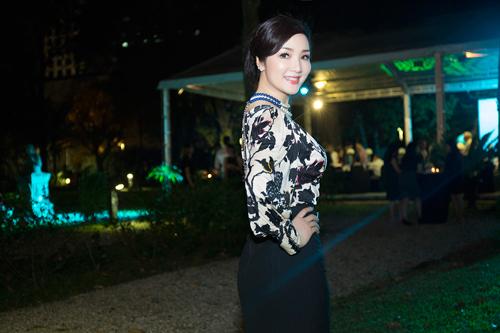 Hoa hậu Giáng My diện váy hàng hiệu gợi cảm - 6