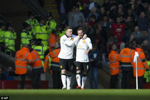Rooney hối hận không nhường quả 11m cho Mata - 2