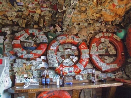 Hoa mắt vì quán bar được trang trí toàn bằng đô la - 5