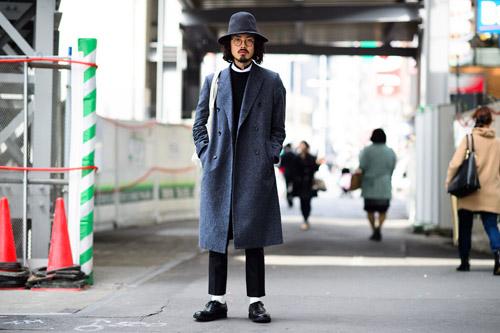 """Bạn trẻ Tokyo cực """"dị"""" với mũ tai thỏ, quần vá - 6"""