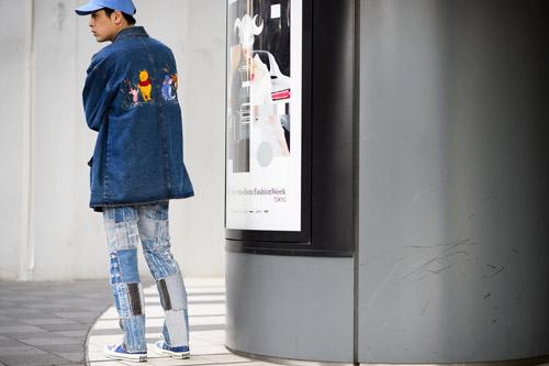 """Bạn trẻ Tokyo cực """"dị"""" với mũ tai thỏ, quần vá - 7"""