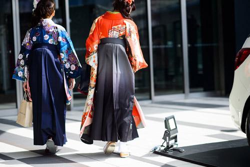 """Bạn trẻ Tokyo cực """"dị"""" với mũ tai thỏ, quần vá - 8"""