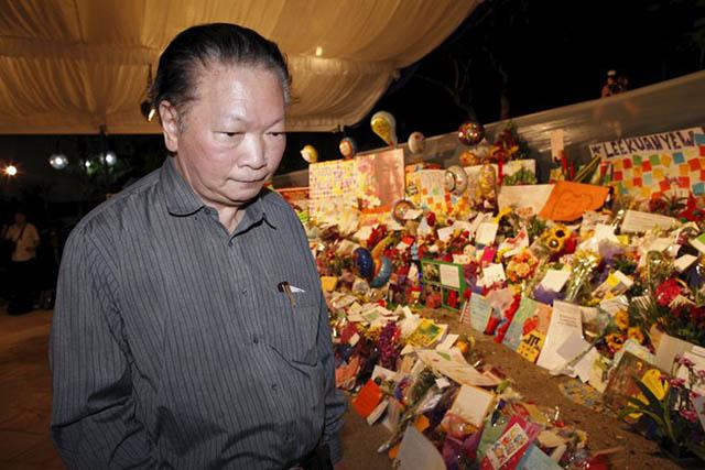 Người Singapore khóc nghẹn tiễn biệt ông Lý Quang Diệu - 8