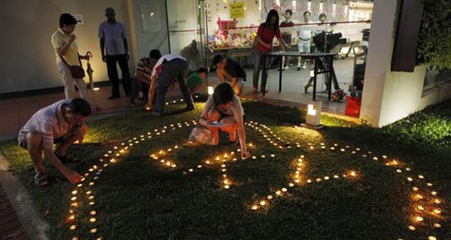 Người Singapore khóc nghẹn tiễn biệt ông Lý Quang Diệu - 7