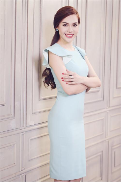Hoa hậu Diệu Hân cuốn hút với váy hè - 2