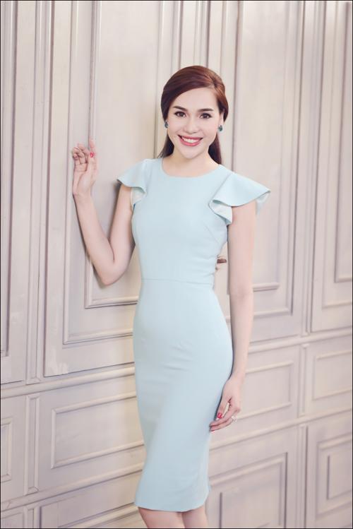 Hoa hậu Diệu Hân cuốn hút với váy hè - 4