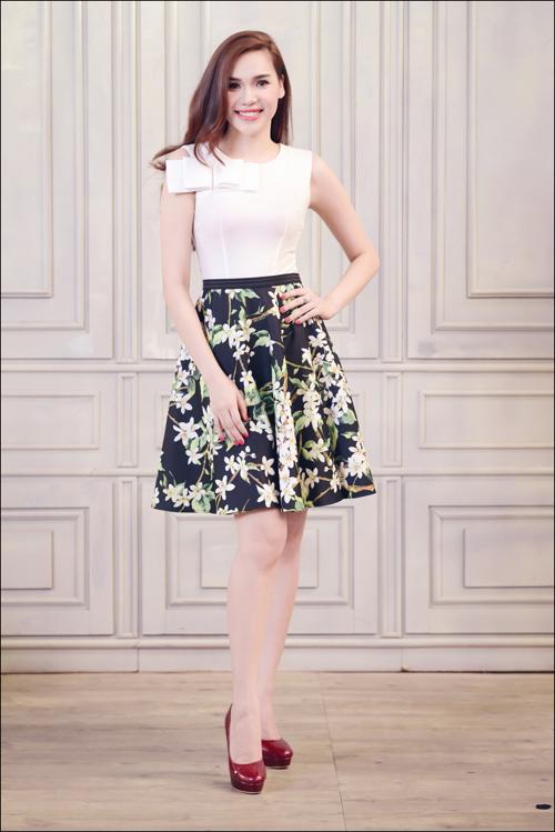 Hoa hậu Diệu Hân cuốn hút với váy hè - 14