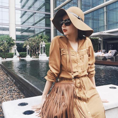 Minh Hằng mặc sành điệu dạo phố Thái Lan - 6