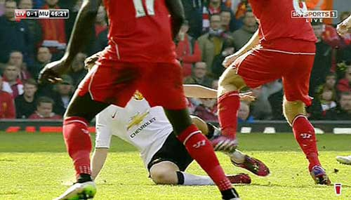 Gerrard lĩnh thẻ đỏ: Bi kịch của người hùng - 1