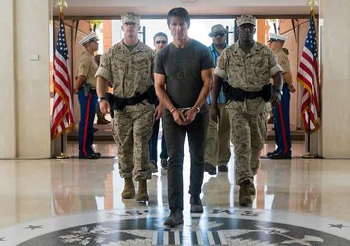 """Tom Cruise làm khán giả hết hồn trong """"Nhiệm vụ bất khả thi 5"""" - 6"""