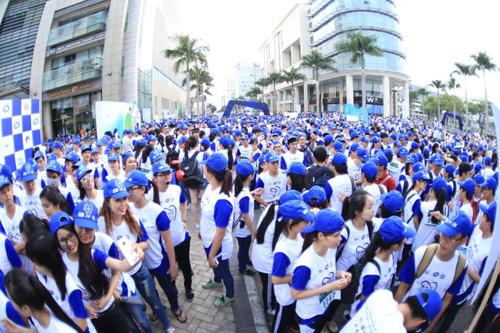 6,000 người đồng hành cùng chương trình Run for Smile - 1