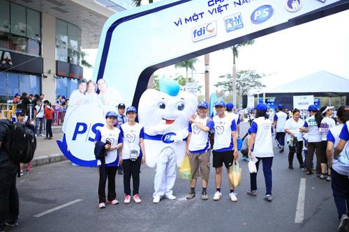 6,000 người đồng hành cùng chương trình Run for Smile - 2