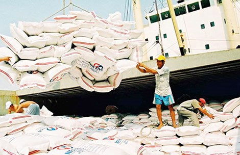 Trung Quốc giở chiêu dìm giá gạo - 1