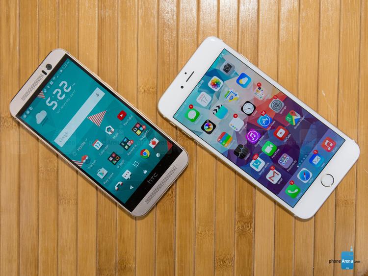 HTC One M9 (trái) sở hữu màn hình 5 inch S-LCD 3 độ phân giải Full HD 1080 x 1920 pixel, trong khi iPhone 6 Plus có màn hình 5,5 inch IPS LCD độ phân giải 1080 x 1920 pixel. Tuy nhiên mật độ điểm ảnh của iPhone 6 Plus chỉ đạt 401ppi, còn One M9 là 441ppi.