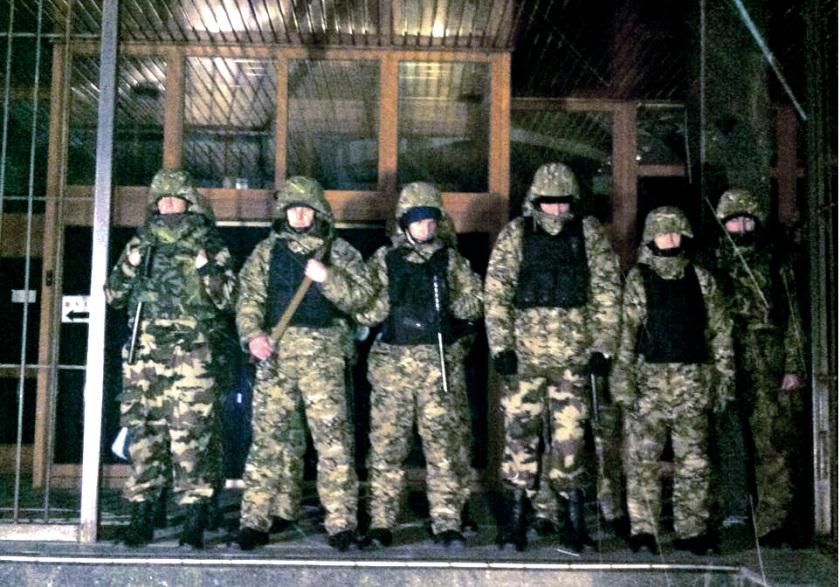 Cuộc chiến ngầm khốc liệt của các ông trùm Ukraine - 3
