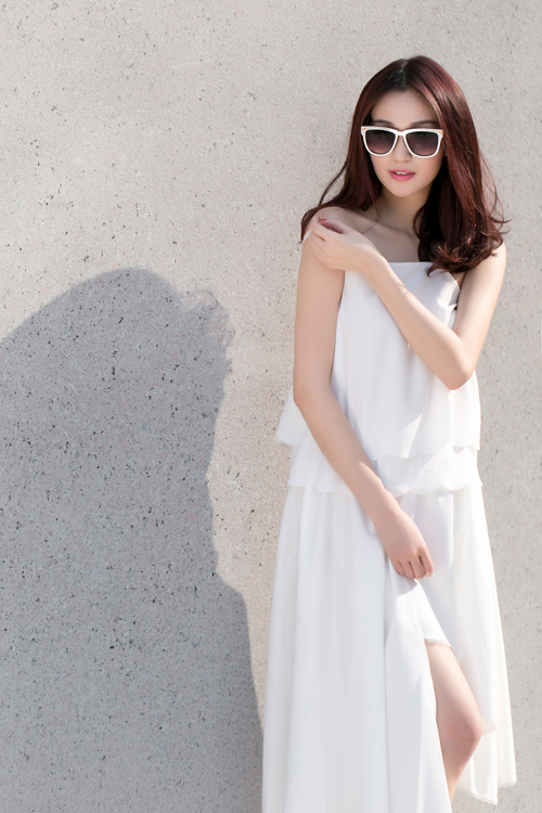 Khánh My xinh tươi, rạng rỡ dưới nắng Sài Gòn - 4