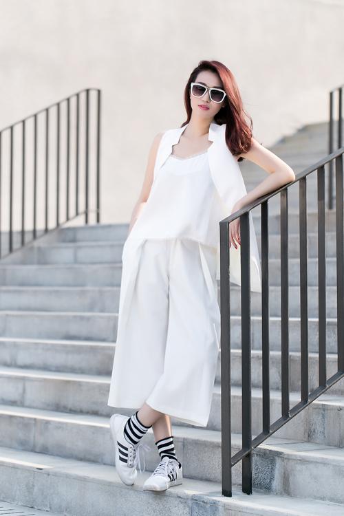 Khánh My xinh tươi, rạng rỡ dưới nắng Sài Gòn - 5
