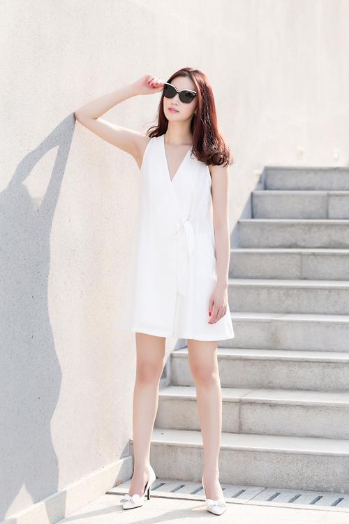 Khánh My xinh tươi, rạng rỡ dưới nắng Sài Gòn - 9