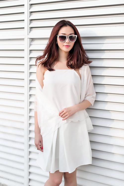 Khánh My xinh tươi, rạng rỡ dưới nắng Sài Gòn - 14