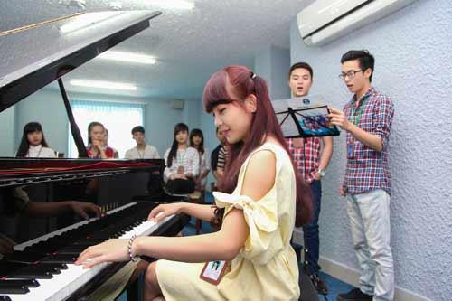 ĐH ngoài công lập đầu tiên đào tạo cử nhân Piano - Thanh nhạc - 1