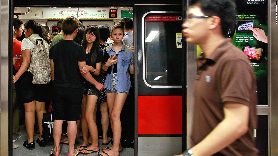Lý Quang Diệu đã cấm kẹo cao su ở Singapore ra sao? - 4