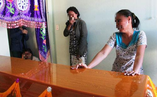 Bé gái mất tích, chết ở Campuchia: Người mẹ lên tiếng - 1