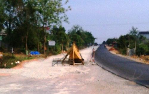 Kon Tum: Dân dựng lều chặn thi công Quốc lộ 14 - 1