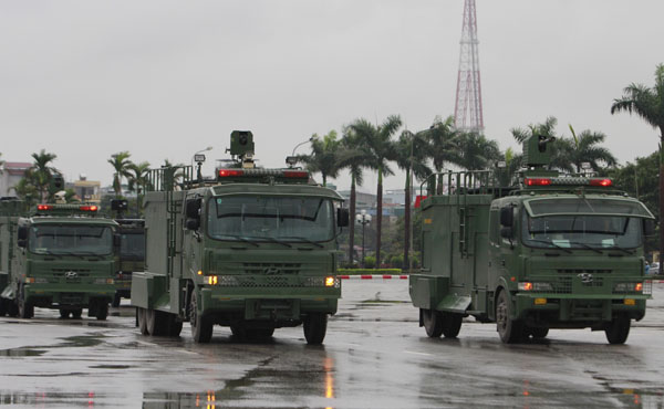 """Ngắm dàn xe """"khủng"""" chống bạo động của công an Hà Nội - 6"""
