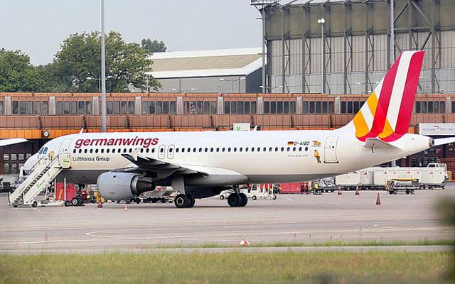 Pháp tiết lộ lời cuối cùng từ Airbus A320 trước khi rơi - 1