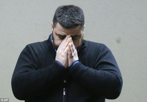 Người nhà nạn nhân Airbus A320 tuyệt vọng ở sân bay - 4