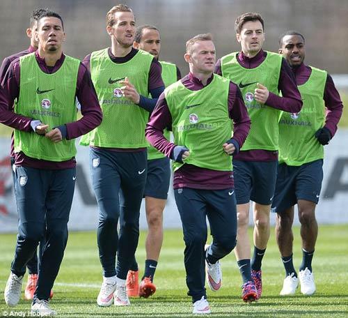 Vượt Sterling, Rooney xuất sắc nhất nước Anh - 3