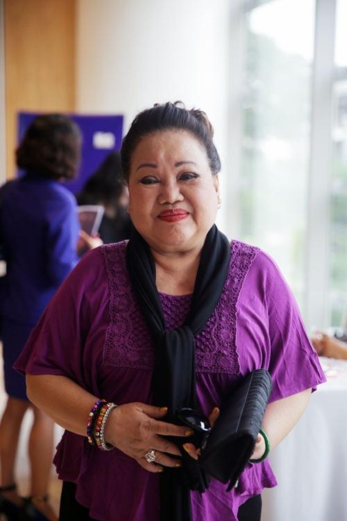 Danh hài Kiều Oanh khoe vóc dáng thon thả - 4