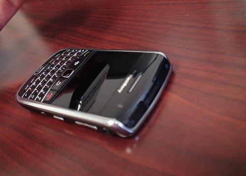 """BlackBerry 9650 giá chỉ 999.000VNĐ """"hút"""" cho dân sành công nghệ - 3"""