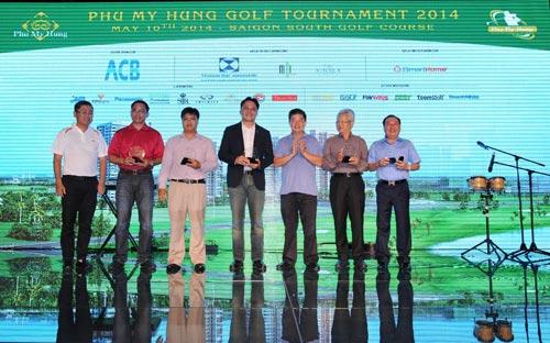 Hơn 3,4 tỷ đồng giải thưởng Hole-in-one tại giải Golf Phú Mỹ Hưng - 2