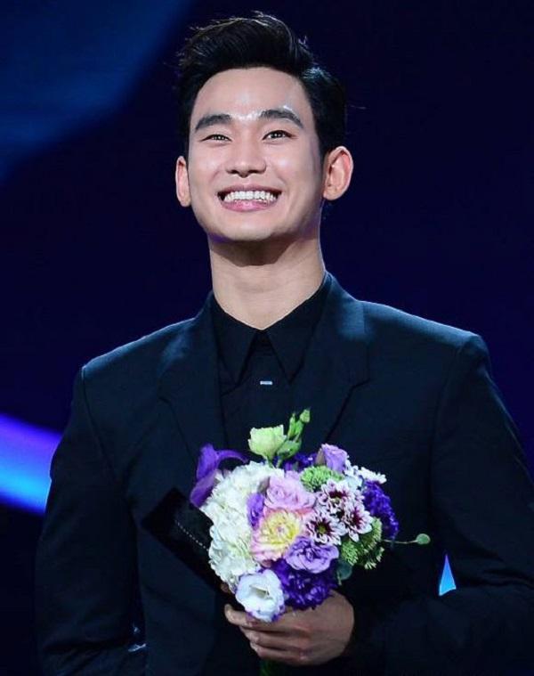 Kim Soo Hyun tái ngộ khán giả Việt trên màn ảnh nhỏ - 1