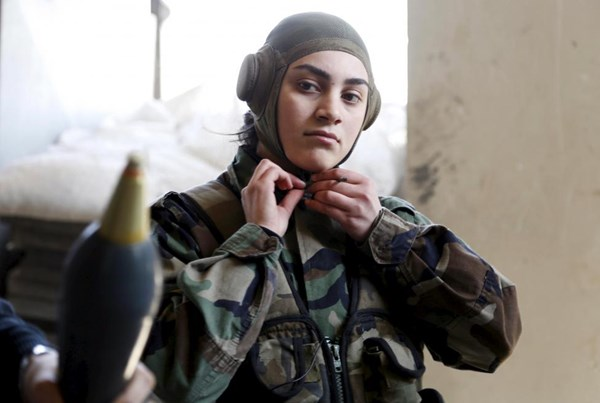Những bóng hồng xinh đẹp trong nội chiến Syria - 3