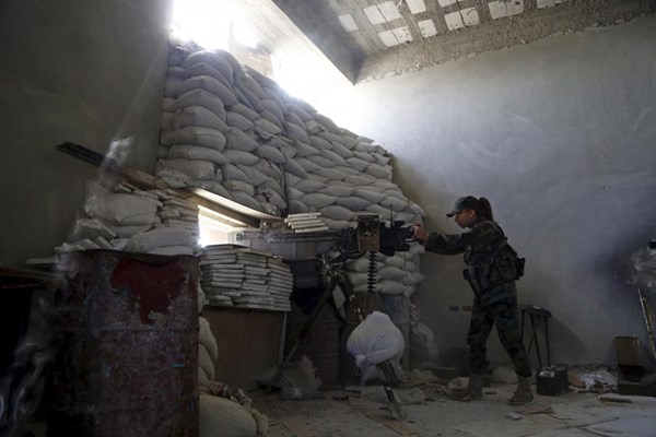 Những bóng hồng xinh đẹp trong nội chiến Syria - 8