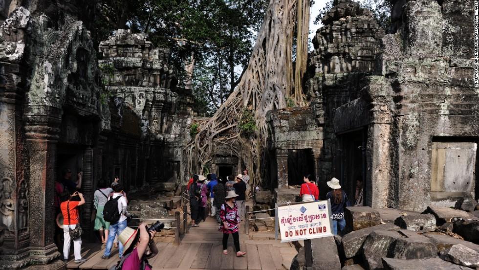 Thành phố Siem Reap, Campuchia đứng vị trí thứ 2, nhảy lên bảy bậc so với năm 2014. Thành phố du lịch nổi tiếng thu hút du khách với các khách sạn, nhà hàng, điểm thăm quan hấp dẫn.