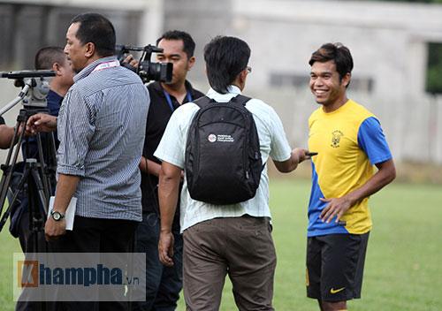 """""""Luyện công"""" bài tập lạ, U23 Malaysia chờ U23 VN - 1"""