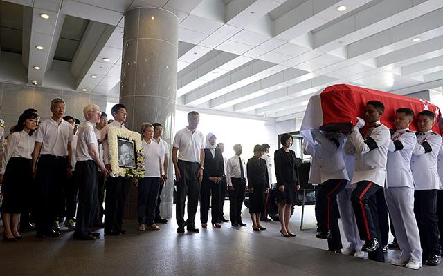 Dòng người Singapore tiễn đưa cựu Thủ tướng Lý Quang Diệu - 7