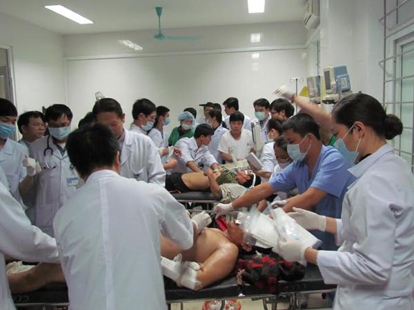 Ít nhất 13 người đã tử vong trong vụ sập giàn giáo Formosa - 11