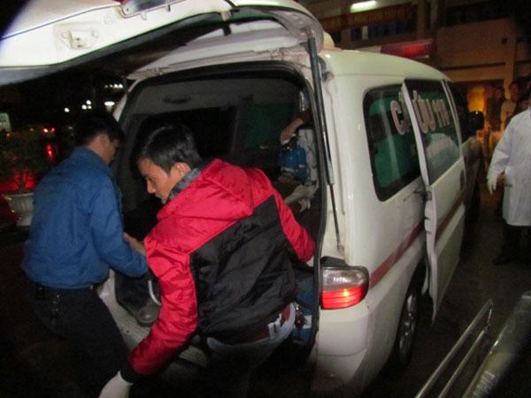 Chùm ảnh vụ sập giàn giáo kinh hoàng ở Hà Tĩnh - 7