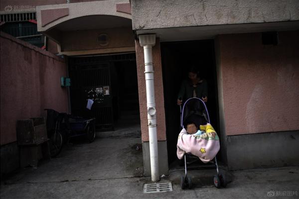 Bộ ảnh chân thực về cuộc sống của những bà mẹ đơn thân - 10
