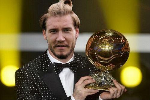 """""""Chân gỗ"""" Bendtner lập hat-trick, truyền thông châu Âu lên cơn sốt - 4"""