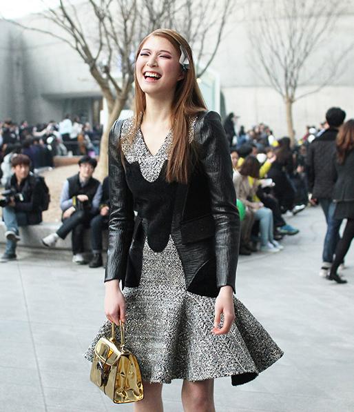 Choáng vì độ sành điệu của nhóc tì tại Seoul Fashion Week - 9